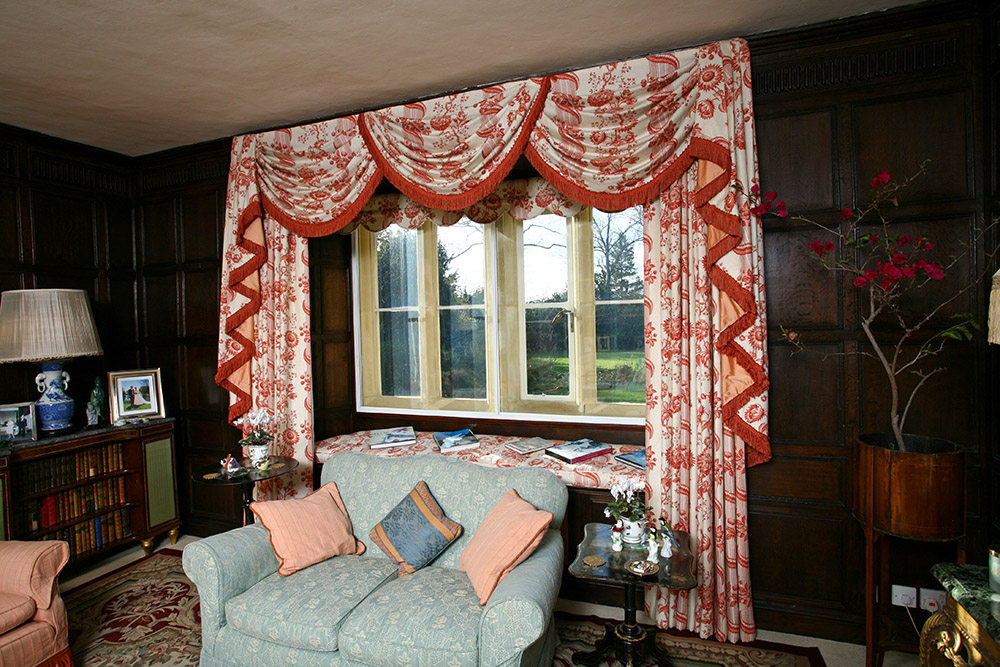 Curtains; Curtain design; Handmade curtains; Bespoke curtains; Gathered Pelmets; Draped pelmets: Swags and Tails;